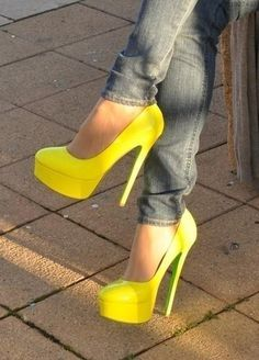 Yellow shoes hold a special place in my heart, and these platform pumps are wonderful. Pretty Shoes, Beautiful Shoes, Cute Shoes, Me Too Shoes, Awesome Shoes, Sexy Heels, Stiletto Heels, High Heels, Prom Heels