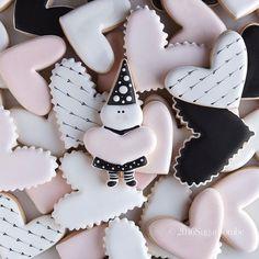 SUGARBOMBE • MELISSA (@sugarbombe_sugar) • Instagram photos and videos Valentines Day Cookies, Sugar, Videos, Desserts, Photos, Instagram, Food, Tailgate Desserts, Deserts