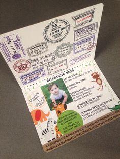 Invitación de cumpleaños de pasaporte conjunto por PeacockParties