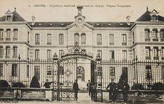 L'orphelinat Audiffred (Place de la Tour) accueille l'hôpital temporaire n°3.