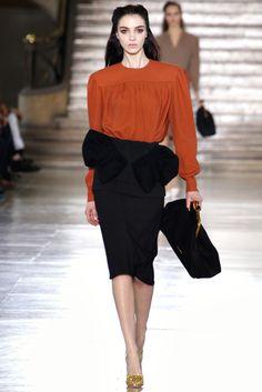 Miu Miu Fall 2011 Ready-to-Wear Fashion Show - Mariacarla Boscono (Viva)