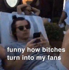 Really Funny Memes, Stupid Funny Memes, Funny Relatable Memes, Funny Humor, Harry Styles Memes, Harry Styles Pictures, One Direction Humor, One Direction Pictures, Direction Quotes