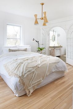 These Scandinavian-style rooms demonstrate how to master this cozy, minimalist look with style. #scandinavianbedroom #minimalist #scandinaviandecor #modernhomedecor #bhg Scandinavian Style Bedroom, Scandinavian Interior Design, Scandi Style, Simple Colors, House Goals, Better Homes And Gardens, Decor Styles, Sweet Home, Bedroom Decor