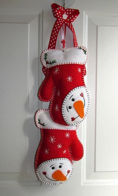 Your place to buy and sell all things handmade Christmas Crafts To Make, Felt Christmas Decorations, Felt Christmas Ornaments, Christmas Projects, Handmade Christmas, Holiday Crafts, Christmas Applique, Christmas Sewing, Felt Snowman