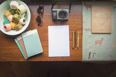 Cosas que nos inspiran acá en los cuarteles de @faunaquerida y #perroreal  Después de muchas horas computadora escribiendo el proyecto #princesadelosanimales viene bien un escritorio más analógico  Foto: @natizaid