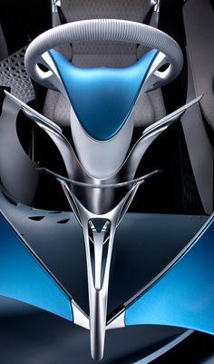 Das Concept Car FT-Bh, das klar die neue Designsprache künftiger Toyota Fahrzeuge spricht, passt in die gängigen Dimensionen des B-Segments. Es ist 3.985 mm lang, 1.695 mm breit, 1.400 mm hoch und weist einen Radstand von 2.575 mm auf...