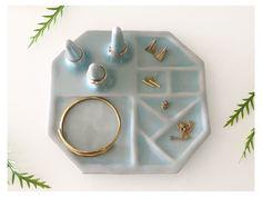 Porcelain Jewelry, Ceramic Jewelry, Clay Jewelry, Fine Porcelain, Porcelain Vase, Stone Jewelry, Jewelry Crafts, Jewelry Box, Vintage Jewelry