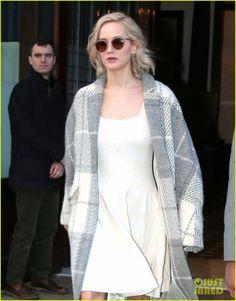 Jennifer Lawrence Won't Really Wear Same Dress as Pal Amy Schumer to Golden Globes 2016
