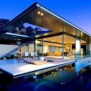 first-crescent-house-in-camps-bay-south-africa