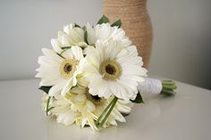 Five of the Best: White Flower Bouquets