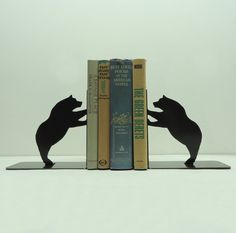 Bear Metal Art Bookends // #SicEm