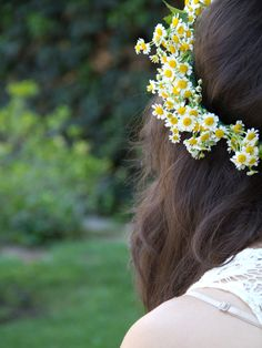 ideas flowers crown diy maternity for 2019 Daisy Crown, Diy Flower Crown, Floral Crown, Diy Flowers, Wedding Flowers, Flower Crowns, Daisy Wedding, Flower Headbands, Bridesmaid Flowers