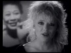 France Gall - Ella, elle l'a. This tribute to Ella Fitzgerald always gives me goosebumps. Amazing song!