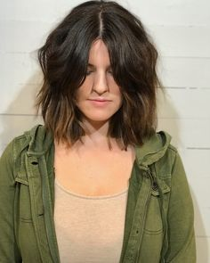 Middle Part Hairstyles 15 Flattering Ways To Pull One Off - fringe hairstyles middle fringe hairstyles 2019 Long Fringe Hairstyles, Choppy Bob Hairstyles, Ponytail Hairstyles, Hairstyles With Bangs, Trendy Hairstyles, Latest Hairstyles, Middle Part Haircut, Center Part Hairstyles, Wavy Bob Long
