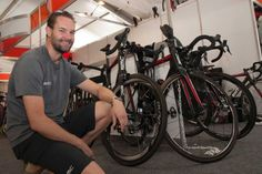 Kevin Grove prepares the BMC Racing team cycles for the 2015 Tour Down Under. (Image: ABC News/Brett Williamson)