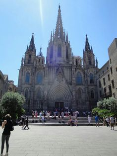 Spain The Time Traveler's Wife, I Want To Travel, Barcelona Cathedral, Places To See, Beautiful Places, Spain, To Go, Europe, Explore