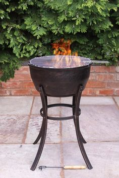This solid cast iron fire bowl has long steel legs, ideal for entertaining. Not only will this fire pit act as a patio heater but it comes complete with a BBQ grill to allow you to cook on your fire bowl too!Cast iron is the idea fire bowl material as it is multi fuel, and heats up very quickly whilst retaining the heat for a long time afterwards.