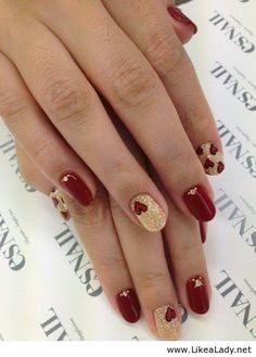 Red and gold on nails