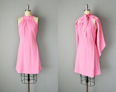 Dress // Donald Brooks Pink Crepe Mini Dress with matching Cape // Small-XS 50s Dresses, Vintage Dresses, Summer Dresses, 60s And 70s Fashion, Timeless Fashion, Broadway Costumes, Shirtwaist Dress, Blouse And Skirt, Printed Blouse