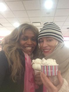 Merrin Dungey  ‏@RealMerrinD : Even Queens of Darkness like a treat. Being evil works up a sweet tooth.  #OUAT  #212Flavors