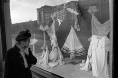 Never without a hat! 1958 @ Berlin Stil in Berlin: High Hair in Hoppegarten | ZEITmagazin