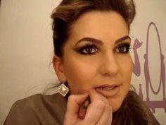 Alice Salazar  Vários vídeos ensinando como se maquiar