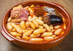 fabada asturiana Spanish Dishes, Spanish Food, My Favorite Food, Favorite Recipes, Soup Recipes, Dinner Recipes, Guisado, Tapas Menu, Gastronomia