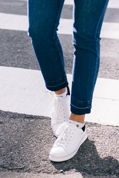 gmg-white-sneakers-6917 Gal Meets Glam waysify