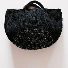 Tote bags with short handles – Artofit Crochet Market Bag, Crochet Tote, Crochet Handbags, Crochet Yarn, Crochet Shoulder Bags, Bag Pattern Free, Yarn Bag, Knit Basket, Crochet Stitches Patterns
