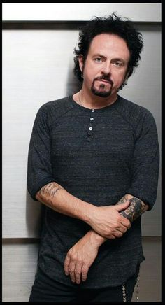 One of my favourite guitar players of all time. Steve Lukather, TOTO. *kneels down*