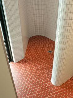 Coloured bathroom floor // Brooke Testoni Pinterest
