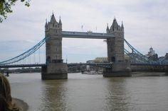 STORBYFERIE: Storbyen London tiltrækker utroligt mange turister fra nær og fjern, og så ligger storbyen kun halvanden times flyvning fra Kastrup og til en af de fire lufthavne i storbyområdet Gatwick, Heathrow, London City samt Stansted. #ferie #storbyferie #rejser