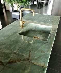 Green and Gold Sink #colourfulhomedecor #green #sink