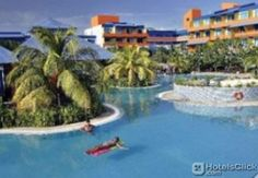 BLAU COSTA VERDE BEACH RESORT  This club resort comprises a total of 250 rooms of which 2 are suites and 3 rooms have disabled access. Guests have access to the hotel gardens and terrace; facilities within the hotel include a foyer with a 24-hour reception desk a safe a cu  EUR 103.20  Meer informatie  #vakantie http://vakantienaar.eu - http://facebook.com/vakantienaar.eu - https://start.me/p/VRobeo/vakantie-pagina