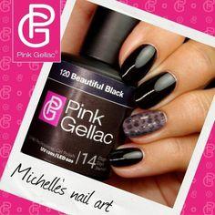 We vroegen jullie welke Nail Art van Michelle jullie favoriet is. Na de vele berichten is de winnaar: Look 2 met P...