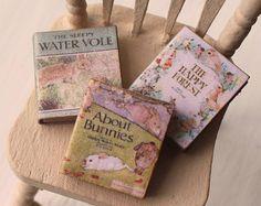 Dolls House Miniatur Jahrgang Tiere Buch Trio