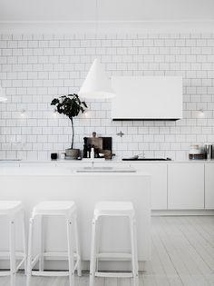 White kitchen by Lotta Agaton