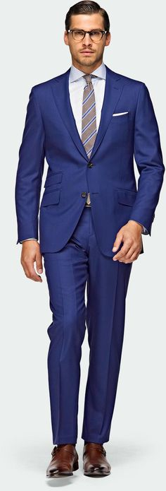 i like this blue suit.