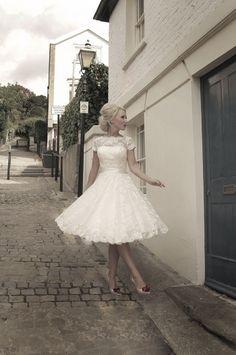 Kurze Spitze Brautkleider Sheer Cap Sleeve knielangen Weiß Elfenbein Brautkleid | eBay