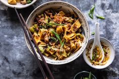 Better Than Takeout Szechuan Noodles with Sesame Chili Oil. Better Than Takeout Szechuan Noodles wit Healthy Recipes, Asian Recipes, Vegetarian Recipes, Cooking Recipes, Ethnic Recipes, Szechuan Recipes, Cooking Pork, Asian Egg Noodle Recipes, Healthy Thai Recipes