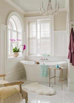 Spa Like Bathroom, White Bathroom, Bathroom Closet, Bathroom Basin, Bathroom Windows, Bathroom Doors, Washroom, Bathroom Wall, Traditional Bathroom