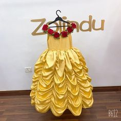 Pretty Dresses For Kids, Dresses Kids Girl, Little Girl Outfits, Baby Dresses, Kids Outfits, Birthday Girl Dress, Party Frocks, Designer Evening Gowns, Belle Dress
