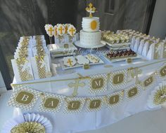 White and gold Baptism by Mily'sCupcakes, via Flickr