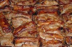 Румяные запеченные свиные ребрышки, маринованные в отменном соусе. Для настоящих мужчин!