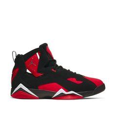 "The Jordan True Flight ""Black/Red/White"" Men's Shoe mixes a silhouette inspired by Air Jordan VII with toe-to-heel flexibility and support. Jordan Shoes For Men, Air Jordan Sneakers, Basketball Sneakers, Black Jordans, Air Jordans, Jordan True Flight, Hype Shoes, Jordan 4, Mens Nike Air"