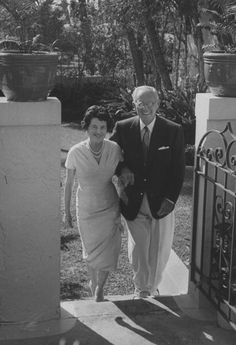 Politician-businessman Joseph P. Kennedy standing with his wife outside their home. Get premium, high resolution news photos at Getty Images Joe Kennedy Sr, Rose Kennedy, John Fitzgerald, Famous Couples, Us Presidents, Jfk, Politicians, Historical Photos, Fotografia
