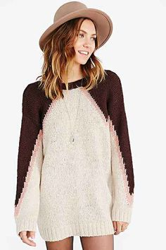 Ecote Chevron Scoop-Back Pullover Sweater