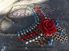 Maxicollar con Flor de Resina by Valeria Brax&Collare Art