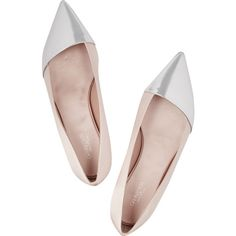 Giambattista Valli Patent leather-paneled satin ballet flats (7 500 UAH) ❤ liked on Polyvore featuring shoes, flats, patent leather shoes, patent flats, satin ballet flats, flat pumps and flat shoes