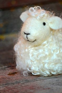 Sheep - White wool needle felted lamb - needle felted animals